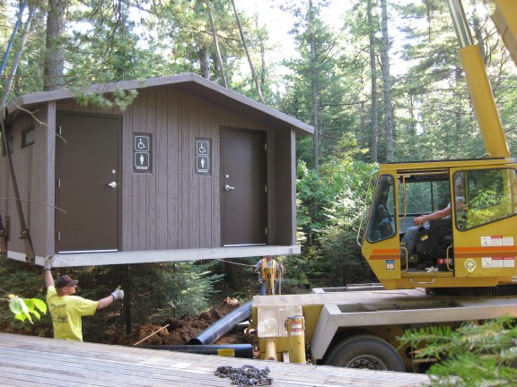 Liftingouthouse9_21_2009.jpg